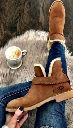winter outfits with uggs Top 45 Wonderful Winter Boots For Women Which Will Be Trend This Season Fashio Winter Fashion Boots, Winter Snow Boots, Winter Outfits, Winter Clothes, Shoes For Winter, Stylish Winter Boots, Best Winter Boots, Sorel Winter Boots, Warm Boots