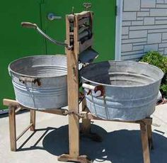 Vintage Laundry And Washday Collectibles - I Antique Online. One for wash and one for rinse. Old Kitchen, Vintage Kitchen, Old Washing Machine, Washing Machines, Objets Antiques, Wash Tubs, Vintage Laundry, Antiques Online, Laundry Room