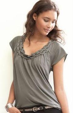 Braided T-shirt DIY; looks superrr easy http://media-cache9.pinterest.com/upload/87046205267857169_QSCEFJI5_f.jpg cedger des projets