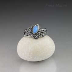 don't like the stone but I love the flowers Unique jewellery by Anna Mazoń