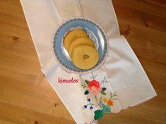 Πασχαλινά κουλούρια Γιαννιώτικα Napkins, Tableware, Greece, Greece Country, Dinnerware, Dinner Napkins, Tablewares, Place Settings