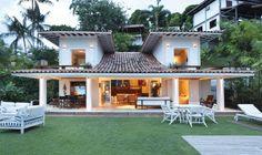 homify / Escala Arquitetura: Casa Angra I: Casas campestres por Escala Arquitetura
