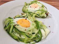Courgettenestjes met ei – Sport Foodblog Omelet, Eggs, Sport, Breakfast, Food, Zucchini, Omelette, Morning Coffee, Deporte