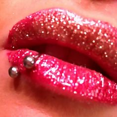 Gorgeous Red gold #lips with #lipring #piercing :)
