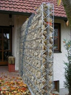 Discover thousands of images about Gabion wall ideas, with FREE how-to guides, videos, pictures and advice to help inspire your gabion wall project Gabion Fence, Gabion Wall, Fencing, Concrete Fence, Bamboo Fence, Cedar Fence, Backyard Garden Landscape, Backyard Fences, Garden Landscaping
