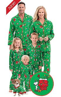 Brushed Cotton Flannel Charlie Brown Matching Christmas Pajamas for the Whole Family Make it a Charlie Brown Christmas with these matching family pajamas. Family Pajama Sets, Matching Family Christmas Pajamas, Family Pjs, All Family, Matching Pajamas, Matching Outfits, Dog Pajamas, Pajamas Women, Comfy Pajamas