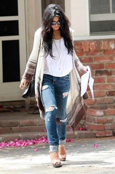 I love the ripped jeans, loose tee-shirt and long cardi combo - a definitely comfy, lazy-but-not but feminine look
