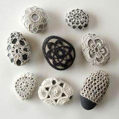 Crochet stones by Hedgehog Fibres