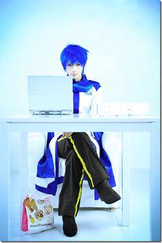 Kaito Shion Cosplay (Touya Hibiki) by aoichandesu on DeviantArt Vocaloid Kaito, Kaito Shion, Vocaloid Cosplay, Anime Cosplay, Epic Cosplay, Cosplay Outfits, Cosplay Costumes, Cosplay Ideas, Awesome Cosplay