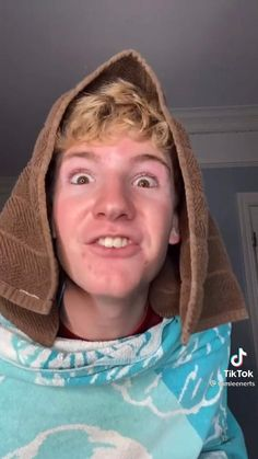 Funny Videos Clean, Crazy Funny Videos, Super Funny Videos, Funny Videos For Kids, Funny Video Memes, Funny Black Memes, Funny Vidos, Funny Laugh, Funny Stuff