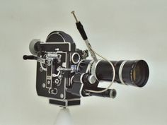 16mm motion picture camera - Bolex H16 Reflex.jpg ( vintage movie / film cine / cinema camera )
