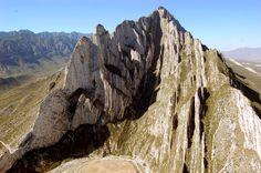 La Huasteca.    Parque natural famoso por sus bellas montañas. Ideal para pasar el día con la familia o los amigos. #monterrey #huasteca #turismo  Fuente: Google