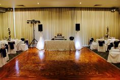 Leonda by the Yarra Wedding. Melbourne Wedding DJ, Wedding Live Band, Acoustic Duo, Master of Ceremonies and Dancer Studio.