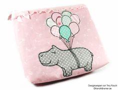 Happy Hippo :-) Nilpferd mit Luftballons ♥ Doodle Applikation Stickdatei von KerstinBremer.de ♥ Balloon hippo appliqué embroidery for embroidery machines. Freehand machine embroidery style. #sticken #nähmalen #nähen #sewing