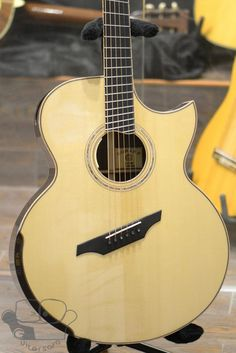 J-S18FCE Fan Fret w/ L.R. Baggs Anthem