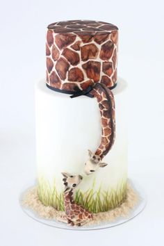 giraffe baby cake. I love this cake!    One day I will learn to make this !!!!!!