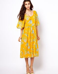 yellow flowy dress for summer
