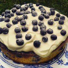 Vláčný borůvkový koláč s žervé Cheesecake, Food, Cheesecakes, Essen, Meals, Yemek, Cherry Cheesecake Shooters, Eten