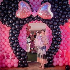 Minnie Mouse Theme Party, Minnie Mouse Birthday Decorations, Minnie Mouse Balloons, Minnie Mouse First Birthday, Disney Birthday, 1st Birthday Girls, Birthday Parties, Balloon Party, Balloon Garland