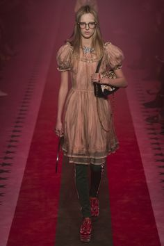 Gucci Spring 2017 Ready-to-Wear collection.