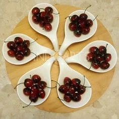 Perfect for any occasion or party , this stylish  serving platter from IndoArts is great for servings starters , salads , fruits , sweets , chat , dry fruits etc ..The spoon shaped 6 bowls in white porcelain are apt for serving almost any kind of dish to pamper your guests  Wooden Tray detachable . 6 white porcelain bowls  @ 2190/- #crockery #tableware #teatime #tablescape #dinnerware #table #home #highteahire #teaparty #homedecor #homedecoration #interior #interiordecor #homedecorideas…