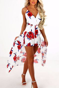 Work this seriously standout mini playsuit this season. It is adorned with sleeveless and floral print. We love it with high heels. Pretty Outfits, Pretty Dresses, Stylish Outfits, Beautiful Outfits, Cool Outfits, Summer Outfits, Summer Dresses, Dress Outfits, Casual Dresses