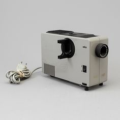 "ROBERT OBERHEIM Diaprojektor ""D7"", Braun, 1970 Dieter Rams, Bukowski, Mid Century Design, Industrial Design, Objects, Colours, Simple, Vintage, Products"