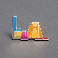 Peter Saville is behind the Tate Modern art gallery's updated identity, a colourful model of the complex that includes its Herzog & de Meuron extension Peter Saville, Tate Modern Art, Museum Shop, Badge Design, Design Museum, Pin Badges, Art Gallery, Branding, Coding