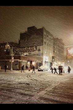 A snow night in Greenwich Village - NYC (via Vivienne Gucwa)