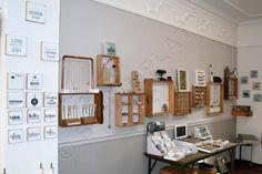 die neue Schmuckwand aus alten Schubladen - ein echter Hingucker! #DIY #Schmuckaufbewahrung #Schmuckpräsentation #Schubladen Gallery Wall, Diy Schmuck, Home Decor, Home Decor Accessories, Homemade, Homes, Ideas, Decoration Home, Room Decor