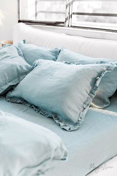 Bring summer into your bedroom with linen bedding in a vivid aquamarine blue color. Pillowcases, duvet covers, sheets and more available in various sizes. Check it out > Linen Sheets, Linen Duvet, Linen Pillows, Bed Pillows, Bed Sheets, Bed Linens, Zimbabwe, Sims, Aqua Bedding