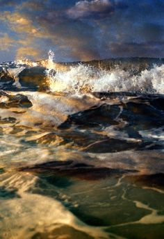 Poseidon's kingdom, i see why he chooses to ride on the foam and live only in blue