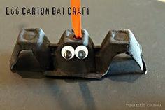 Egg carton bat craft for Halloween Fete Halloween, Halloween Crafts For Kids, Halloween Bats, Holidays Halloween, Halloween Themes, Fall Crafts, Holiday Crafts, Holiday Fun, Preschool Halloween