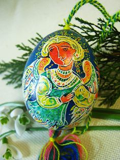 Pysanka - Ukrainian easter egg - Two angels