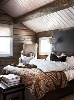 34 Gorgeous Rustic Bedroom Design And Decoration Ideas Home Bedroom, Bedroom Decor, Bedroom Rustic, Bedroom Colors, Attic Bedrooms, Master Bedrooms, Earthy Bedroom, Bedroom Ideas, Winter Bedroom