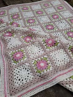 A free pattern created for brave women fighting breast cancer. #crochet #freepattern