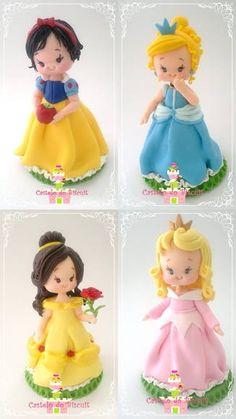 princesas-princesa-rapunzel … (com imagens) Polymer Clay Disney, Polymer Clay Dolls, Polymer Clay Projects, Clay Crafts, Rapunzel, Crea Fimo, Snow White Doll, Disney Figurines, Fondant Decorations