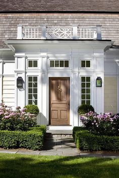 Front door entrance ideas curb appeal railings 68 Ideas for 2019 Front Door Entrance, Front Door Colors, Front Entrances, Entrance Ideas, Front Entry, Front Doors, Entry Doors, Doorway, Front Stoop