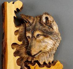 Horloge sculpté sur boisHorloge LoupHorloges