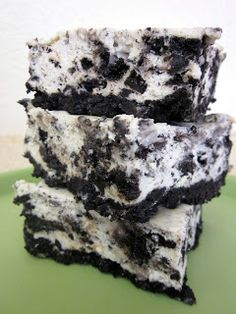 Cookies and Cream Cheesecake Bars on SixSistersStuff.com - these are AMAZING!