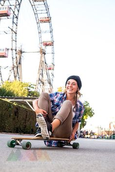 Austria, Vienna, Prater, happy young woman on skateboard at Ferris wheel Hipster Girl Fashion, Hipster Style, Vienna Prater, Young Women, Ferris Wheel, Austria, Skateboard, Baby Strollers, Woman