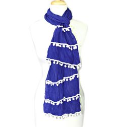 This festive Kentucky blue charmer sets the tone for a great afternoon supporting your son or daughter's team.