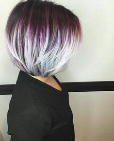 You can never go wrong with ombre hair when you're looking to give yourself a complete makeover. Take your hair on a wild adventure with these sassy ombre hair ideas. Layered Bob Hairstyles, Unique Hairstyles, Wedding Hairstyles, Blonde Hairstyles, Hairstyles Videos, Easy Hairstyle, Hairstyles 2018, Short Hair Cuts For Women, Short Hair Styles