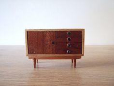 Mueble aparador  años 60 miniatura // Mueble por tiendanordica, $25.00