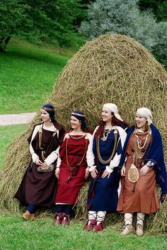 """""""Viking women"""" Liv/Livonian/Lībiešu, not Viking. The Livs were a Finno-Ugric people that lived in what was to become Latvia. Their clothing and ornament had the most in common with Norse Vikings of all proto-Latvians. Reproductions of 10-12 century. Easy to confuse."""