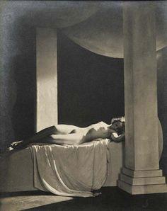 Frantisek Drtikol      Untitled (odalisque) 1930
