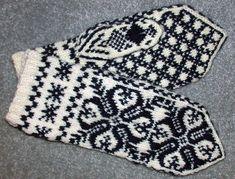 Ravelry: NHM #7 pattern by Terri Shea