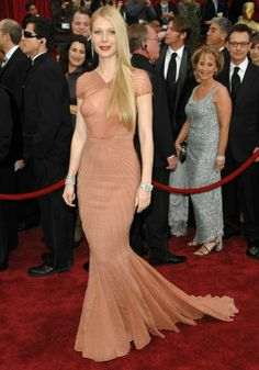 Iconic red carpet gowns Gwyneth Paltrow Oscars 2007