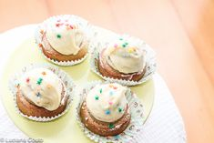 Pistache with white chocolate cupcake