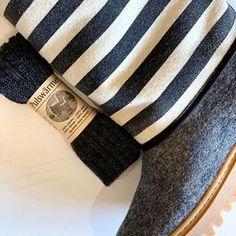 Cizmele Baabuk din lână pentru adulți, sunt potrivite și pentru cele mai geroase ierni. Corpul cizmei este realizat manual, dintr-o singură bucată de lână fiartă iar talpa este din cauciuc rezistent, atât pentru zăpadă cât și pentru gheață. #wooliscool